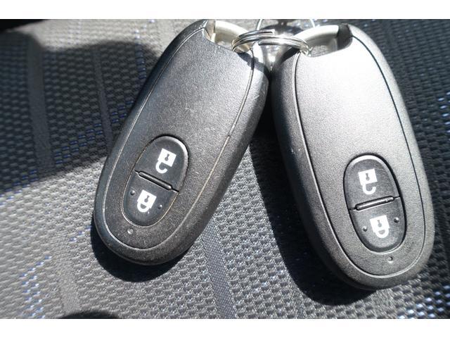 X レーダーブレーキサポート アイドリングストップ スマートキー プッシュスタート 運転席シートヒーター フォグランプ オートライト 純正CDステレオ USB入力端子 Wエアバック ABS 横滑り防止(12枚目)