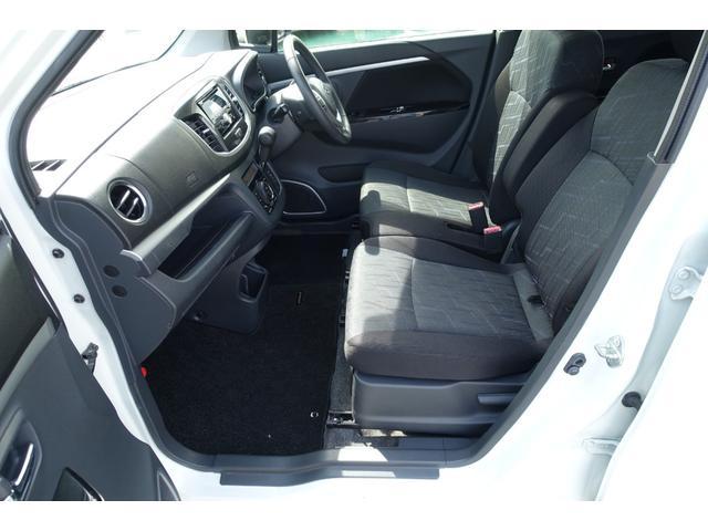 X レーダーブレーキサポート アイドリングストップ スマートキー プッシュスタート 運転席シートヒーター フォグランプ オートライト 純正CDステレオ USB入力端子 Wエアバック ABS 横滑り防止(31枚目)