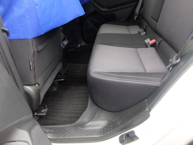 大人が乗ってもゆとりのある後席足元スペース☆後席シートヒーター・リクライニング機能を搭載しております☆