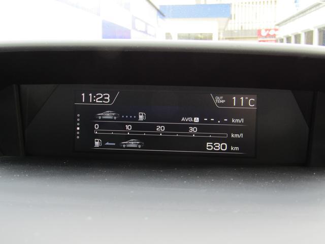 車両の様々な情報を大型カラー液晶に表示するファンクションディスプレイ☆運転中でも操作できるようスイッチはステアリングに設置しています(^^)