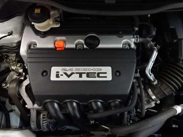 【エンジン】環境にも優しく低燃費と力強い走りをバランスよく実現したエンジンです。
