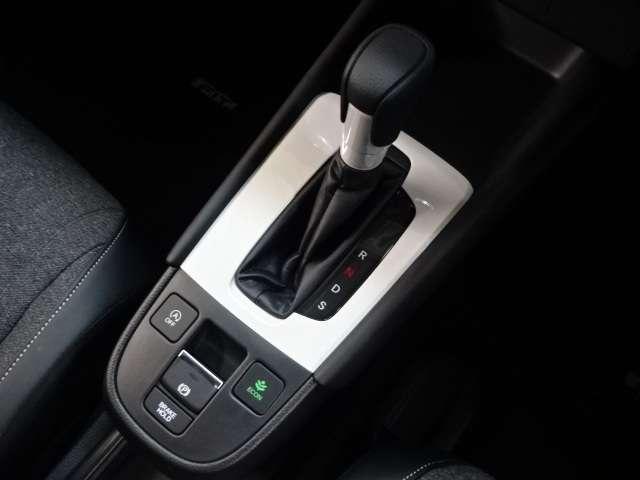 ホーム 当社デモカー ナビ リヤカメラ LED Bカメラ クルコン スマートキー フルセグ ワンオーナー 禁煙 LEDヘッドライト 衝突被害軽減(10枚目)