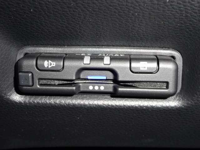 ホーム 当社デモカー ナビ リヤカメラ LED Bカメラ ETC クルコン スマートキー フルセグ ワンオーナー 禁煙 LEDヘッドライト 衝突被害軽減(14枚目)