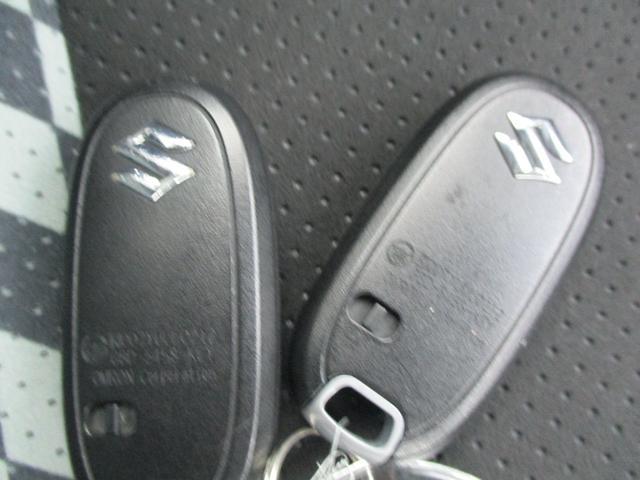 ブラック&ホワイトII フルセグナビ ETC HIDヘッドライト 片側電動スライドドア シートヒーター フルエアロ ワンオーナー(19枚目)