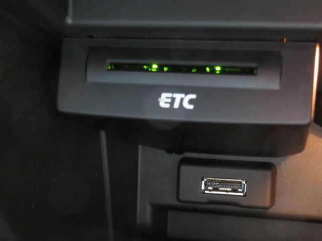 1.4TFSI フルセグ HDDナビ DVD再生 ドラレコ HIDヘッドライト 記録簿(17枚目)