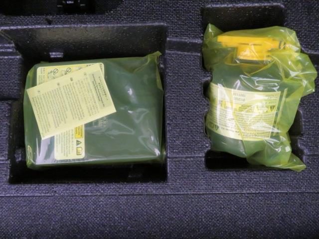 S フルセグ メモリーナビ DVD再生 ミュージックプレイヤー接続可 バックカメラ 衝突被害軽減システム ETC LEDヘッドランプ 記録簿 アイドリングストップ(12枚目)