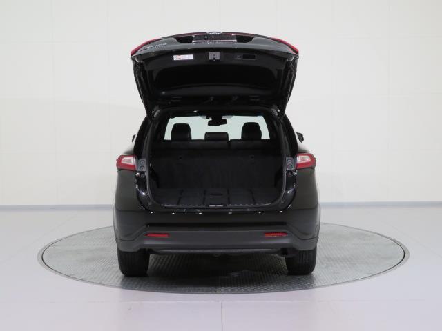 プレミアム メタル アンド レザーパッケージ ワンオーナー メモリーナビ フルセグ Bluetooth シートヒーター LED 安全装置(9枚目)