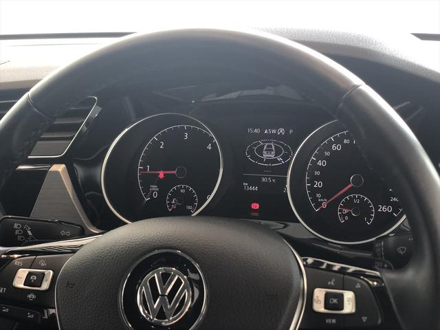 TDI コンフォートライン リアエンターテイメント 9.2インチナビゲーション LEDヘドライト バックカメラ アダプティブクルーズコントロール USBポート 衝突軽減ブレーキ オートエアコン アイドリングストップ ワンオーナー(6枚目)