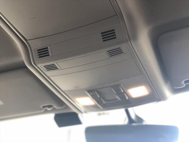 TDI コンフォートライン リアエンターテイメント 9.2インチナビゲーション LEDヘドライト バックカメラ アダプティブクルーズコントロール USBポート 衝突軽減ブレーキ オートエアコン アイドリングストップ ワンオーナー(18枚目)