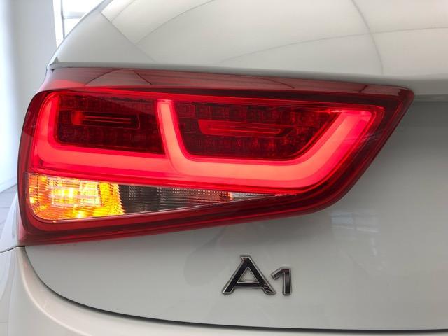 アウディ アウディ A1スポーツバック 1.4TFSI純正ナビゲーションバイキセノン認定中古車