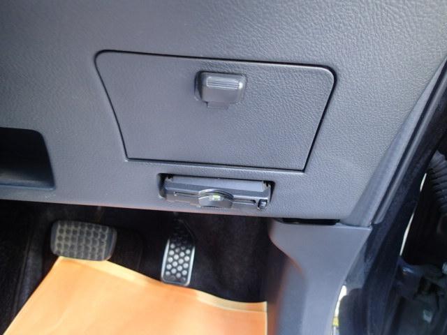 トヨタ bB Z Xバージョン メモリーナビフルセグバックカメラ