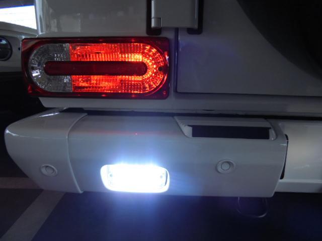 G350d 純正HDDナビ バックカメラ AMG20インチアルミ オプションサイドカメラ ブラバスサイド出しマフラー 社外ヘッドライト ブラバスデイライト マットブラック塗装 改造多(14枚目)