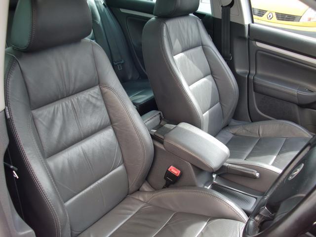 フォルクスワーゲン VW ゴルフヴァリアント 2.0TSI スポーツライン 黒革 パノラマサンルーフ