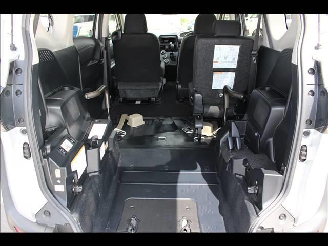 車いすスロープ車 タイプ3 回転チルトシート(6枚目)