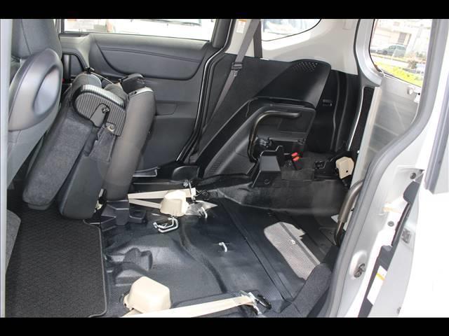 車いすスロープ車 タイプ3 回転チルトシート(10枚目)