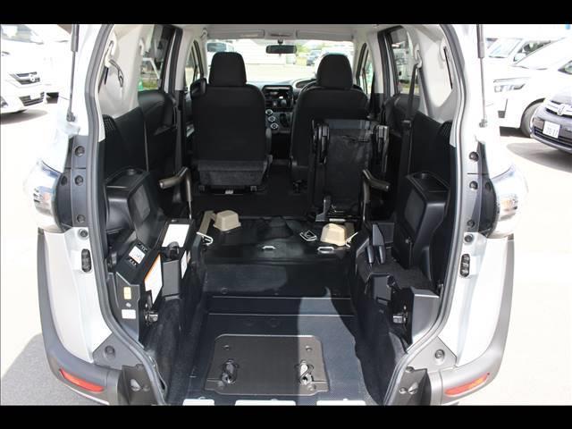 車いすスロープ車 タイプ3 回転チルトシート(11枚目)