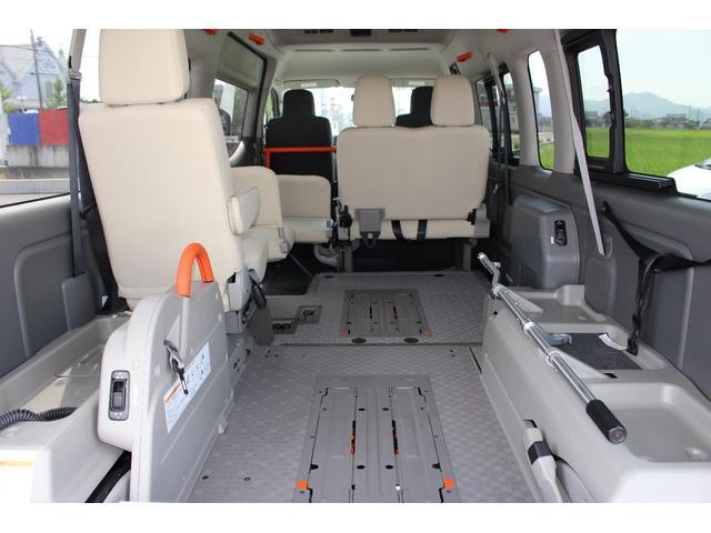 日産 NV350キャラバンバン 車いすリフト車 ストレッチャー固定装置前後