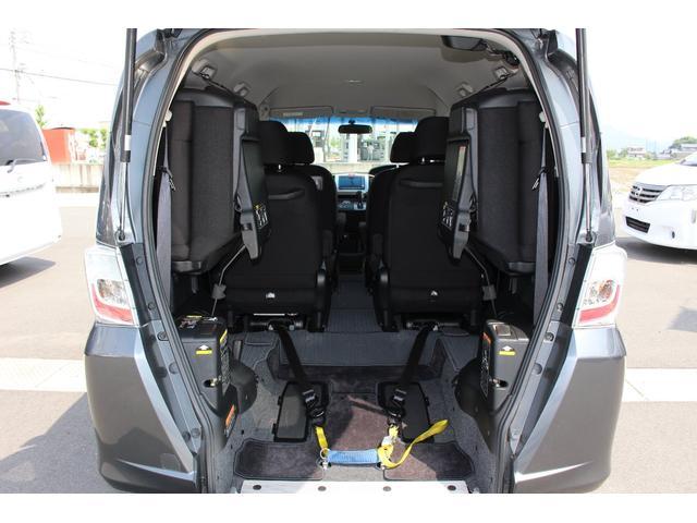 車いすスロープ車 3列目シート付 6人乗り ナビ Bカメラ(4枚目)