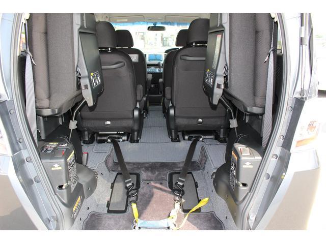 車いすスロープ車 3列目シート付 6人乗り ナビ Bカメラ(5枚目)
