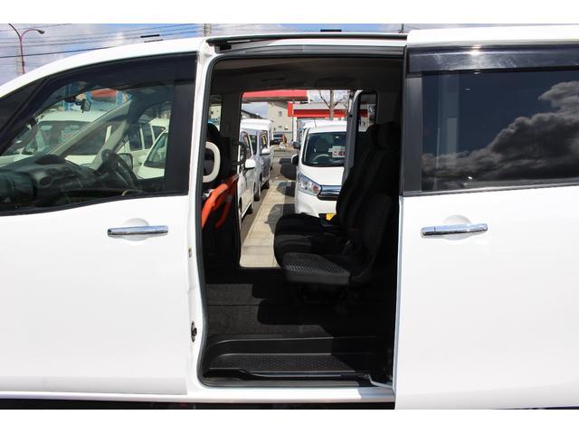 送迎仕様車 8人乗り 電動ステップ 車内手すり付き(11枚目)