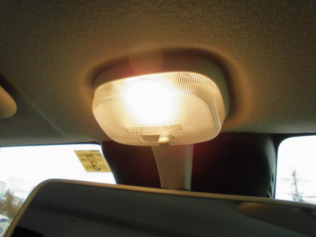 室内を明るく照らします!