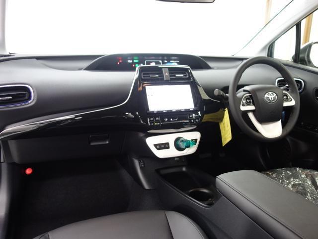 トヨタ プリウス Sツーリング セーフティセンス 純正9型ナビTV 未使用車