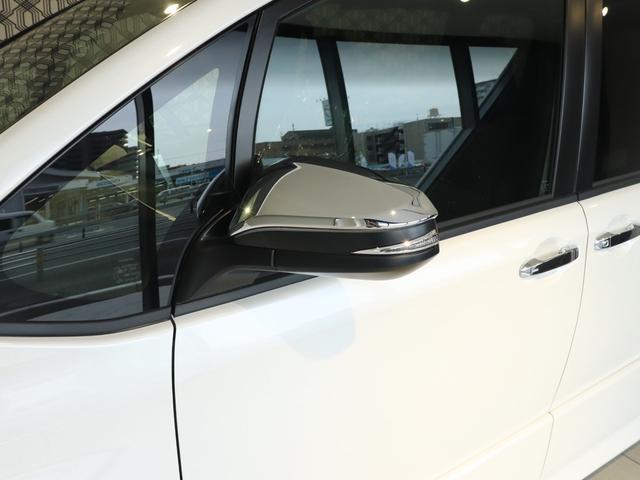 「トヨタ」「ヴォクシー」「ミニバン・ワンボックス」「岡山県」の中古車31