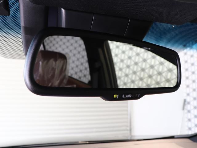 自動防眩インナーミラー・インナーミラー本体に取り付けられたセンサーが、周囲の光と後方からの光の度合いを検知☆鏡面に当たる光の反射状態を自動で変化させ、ドライバーの視認性低下を緩和します☆