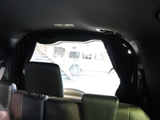 ハイブリッドGi 純正10型SDナビ フルセグTV バックモニター 純正12.1型後席モニター 両側パワースライドドア ブラックレザーシート LEDヘッドライト ウッドコンビハンドル 7人乗り ETC 純正アルミ(24枚目)