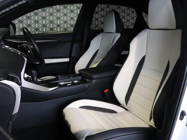 本革エアシート・運転席・助手席は、前後スライド、リクライニング、シート上下の各調整を無段階に電動で行なえます!快適に過ごしていただけるように夏は送風で涼しく、冬にはシートヒーターで温まる事ができます!