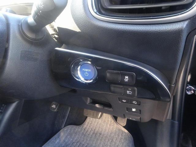 運転席・助手席にはシートヒーターが装備されています。