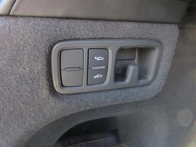 「ランボルギーニ」「ウルス」「SUV・クロカン」「岡山県」の中古車37