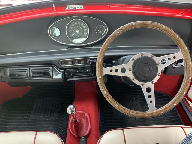 メイフェア オースチンセブン仕様 4速マニュアル エアコン CDオーディオ レッドIIカラー(9枚目)