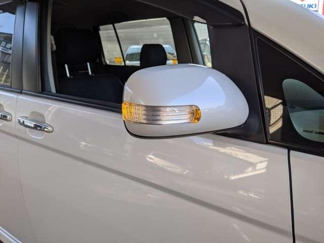 プラタナ Vセレクション ナビテレビ ディスチャージライト 純正アルミホイル プッシュスタート スマートキー ウインカーミラー 車速感応パワードアロック IR(赤外線)カット付ウインドシールドガラス フロントフォグランプ(10枚目)