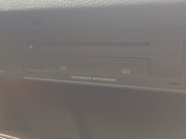 CDやDVD,SDカードはこちらへ。
