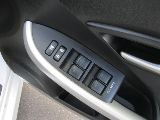 「トヨタ」「プリウス」「セダン」「岡山県」の中古車28