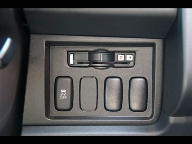 三菱 デリカD:5 D-Power package 8人 4WD