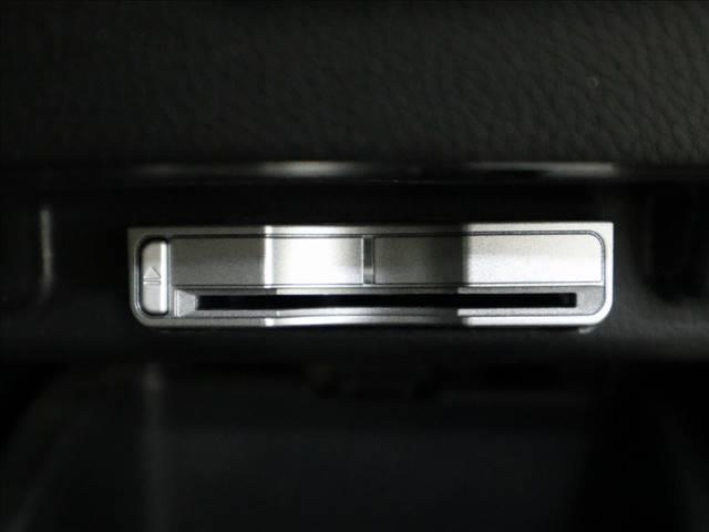 HDDナビエディション ホンダインターナビ バックカメラ HIDオートライト キーレス ETC 7人乗り(8枚目)