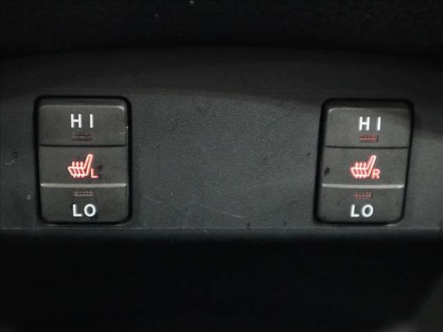G 7人乗り トヨタセーフティセンス スマートキー プッシュスタート 両側パワースライドドア 8インチナビ フルセグ バックカメラ(7枚目)