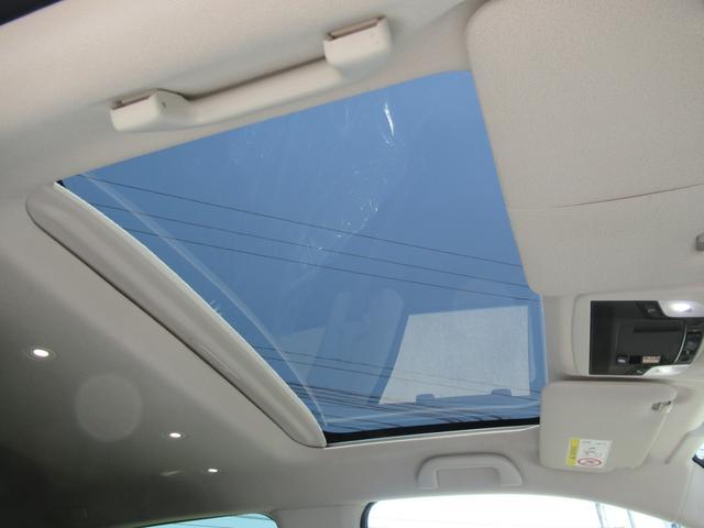 アドバンス ワイドスクリーンホンダコネクト サイドミラーカメラ シート&ステアリングヒーター スカイルーフ 純正17インチ  登録済み未使用車(41枚目)