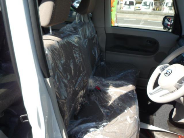 【内装】シートにシミや破れなどありません♪禁煙車で室内もとってもクリーンです☆