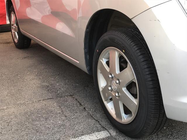 【アルミホイール】デザイン性が大事ですが、スチールホイルに比べアルミは軽量ですので、燃費や走りにも影響します。