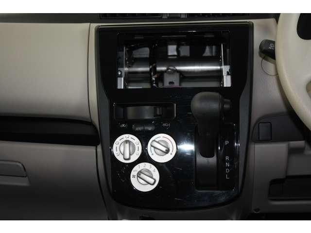 E 距離無制限保証3年付 オーディオレス車 シートヒーター付(4枚目)