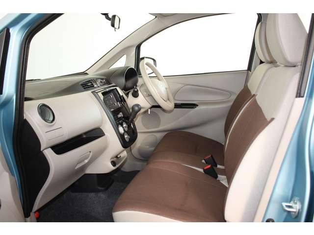 E 距離無制限保証3年付 オーディオレス車 シートヒーター付(5枚目)
