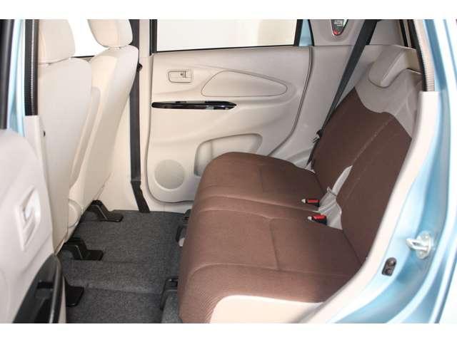 E 距離無制限保証3年付 オーディオレス車 シートヒーター付(6枚目)