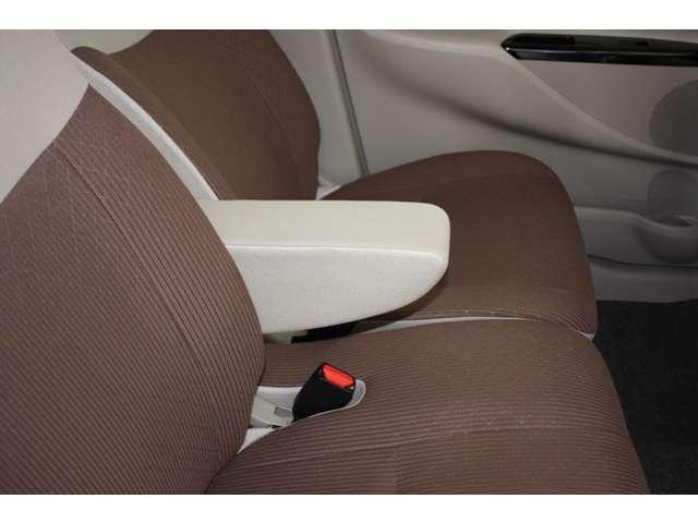 E 距離無制限保証3年付 オーディオレス車 シートヒーター付(7枚目)