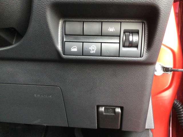 G 距離無制限保証3年付 メモリーナビ付 衝突被害軽減 LEDライト キ-フリ- コーナーセンサー 前席シートヒーター AAC ABS WエアB アルミ CDデッキ ナビ&TV フルセグTV付 寒冷地仕様(15枚目)