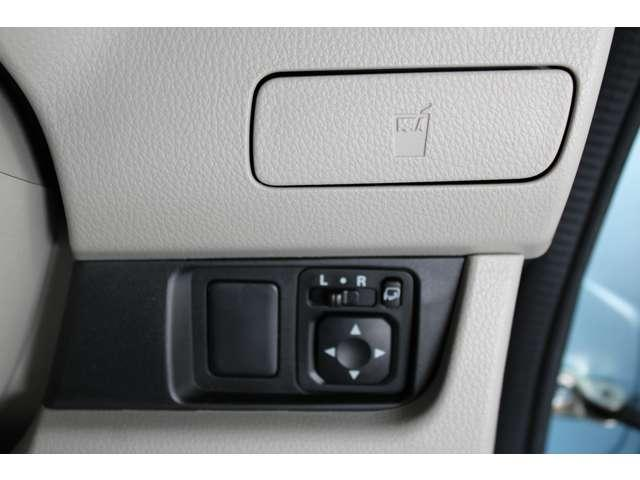 E e-アシスト 距離無制限保証3年付 助手席回転シート仕様 ABS 衝突軽減ブレーキ 横滑り防止装置 運転席シートヒーター キーレス ベンチシート 寒冷地仕様 CD パワーステアリング(9枚目)