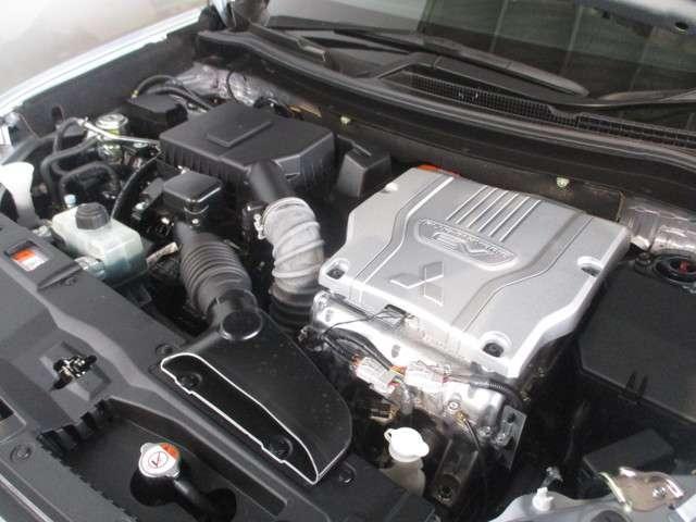 三菱 アウトランダーPHEV G プレミアムパッケージ 4WD 距離無制限保証3年付
