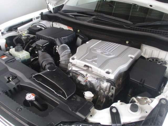 三菱 アウトランダーPHEV G 4WD 距離無制限保証1年付 メモリーナビ付